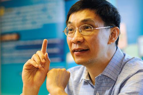 ดร.สมเกียรติ ตั้งกิจวานิชย์ ประธานสถาบันวิจัยเพื่อการพัฒนาประเทศไทย