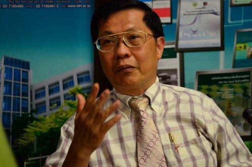 นิพนธ์ พัวพงศกร นักวิชาการเกียรติคุณ สถาบันวิจัยพัฒนาแห่งประเทศไทย(ทีดีอาร์ไอ)