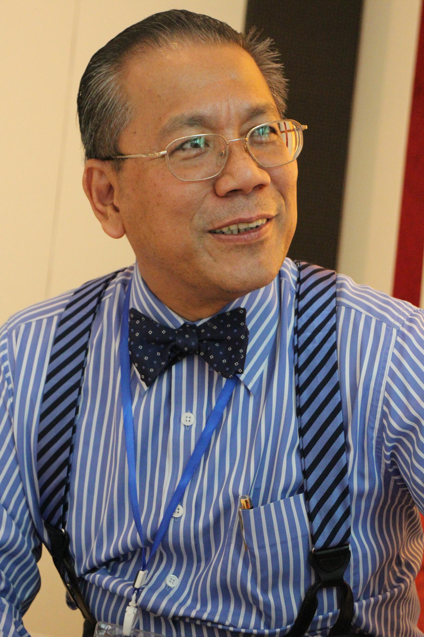 ดร.ศก สีพนา (Dr.Sok Siphana) ที่ปรึกษาคณะรัฐมนตรีกัมพูชา
